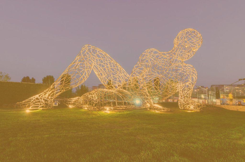 sculptura metalica luminata, decor mall, monumente, sculpturi, altax