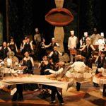 actori pe scena de teatru, burghezul gentilon