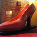 pantof gigant, decor opereta, decor teatru, butaforie