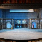 decor 3D teatru, butaforie, casa cu geamuri