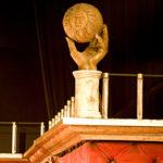 decor, Burghezul Gentilon - balustrada, mana cu soare, butaforie, butaforii
