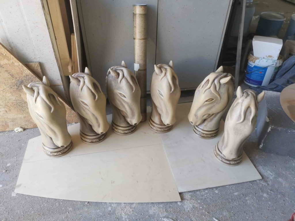 butaforii - capete de cal - butaforie in lucru